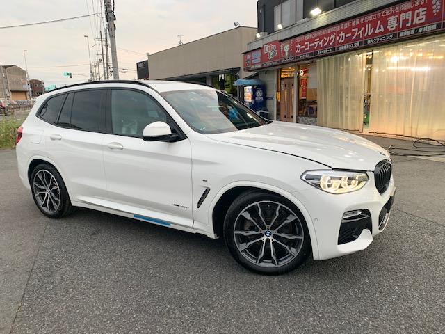 BMW X3運転席